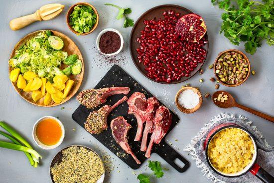 Jalokivet lautasella! Salaatti Afrikan tähden hengessä