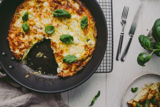 Muksujen kanssa keittiössä: uunimunakas vihanneksilla