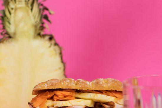Mielipiteitä jakava kouluruoka maistuu leivän välissä