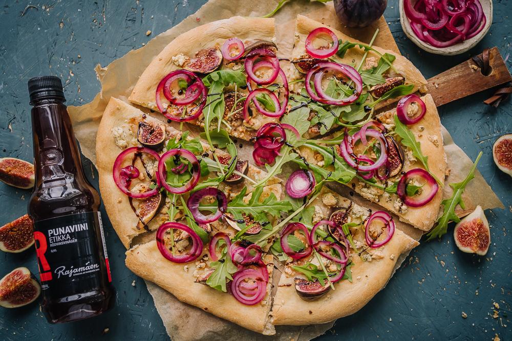 Viikunapizzaa ja pikkelöintiä