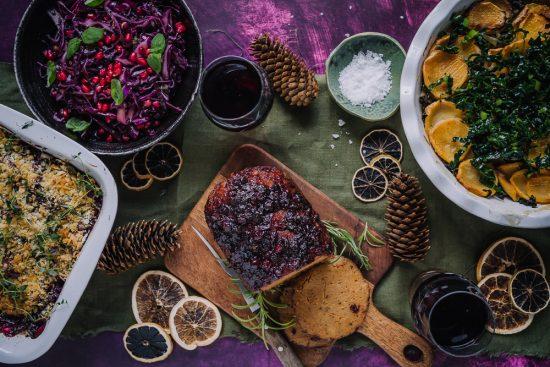 Joulunajan värikkäimmän juhlapöydän kruunaa Vöner Jouluvarras!