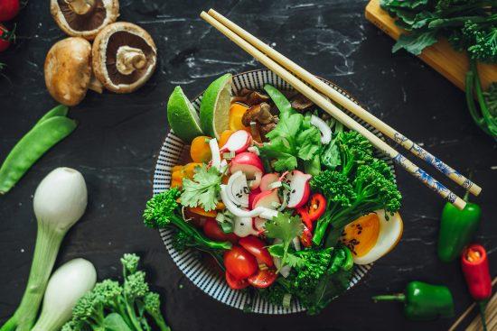 Luottoreseptit helpottavat ruokarumbaa – kasviksilla väriä ja makua ainaiseen arkiruokaan