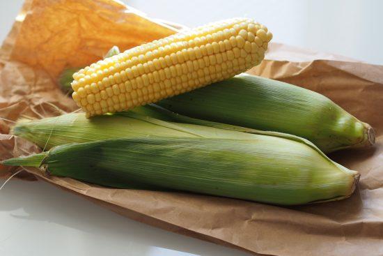 Loppukesän herkku: Parmesan maissit